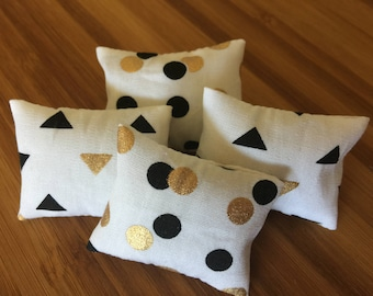 Miniature doll house 12th scale modern soft furnishings rectangular  scatter cushions spots and triangles metallics