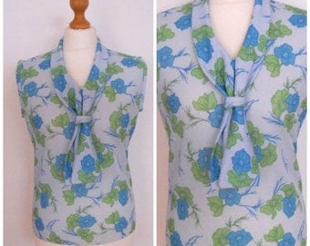 Summer Clearance 60s 70s Blue and Green Floral Sleeveless Blouse Tank Top Shell - M L