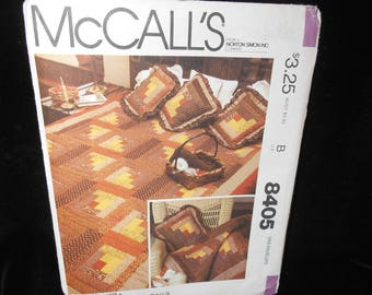 Quilt Pillow McCalls 8405 675 Log Cabin Quilt 4 sizes Twin Double Queen King Pattern