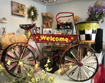 Decorative welcome black and white garden bike