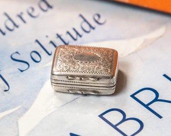 Beautiful miniature Georgian silver and silver gilt vinaigrette, hallmarked 1819