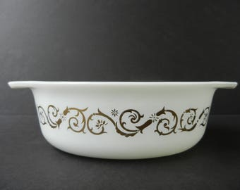 1961 Pyrex Empire Scroll Vines 043 Oval Casserole, 1 1/2 Quart, Baking Dish, Promotional, Gold on White