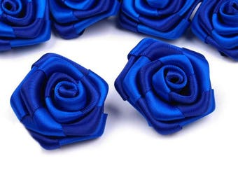 5 small 30 mm blue satin roses