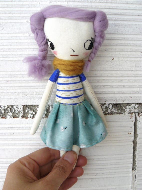 Tiny Art doll. Caty number 2. Embroidered and painted. Merino wool hair. Big eyes. 19 cm