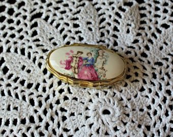 Vintage. Pill box. Pill. compact. Gold. Lovely photo.