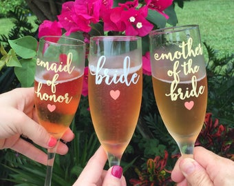 Bridal Party Champagne Glasses, Bridesmaid Glass, Bridesmaid Maid of Honor Mother of Bride Gifts, Champagne Toast, Wedding Champagne Flutes