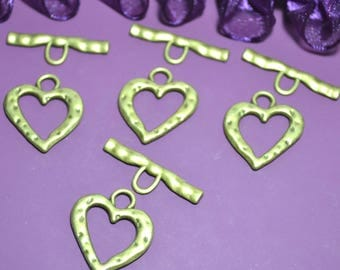 4 hearts hammered effect 25x28mm toggles clasps