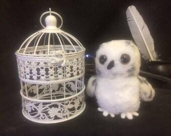 Snowy Mail Owl