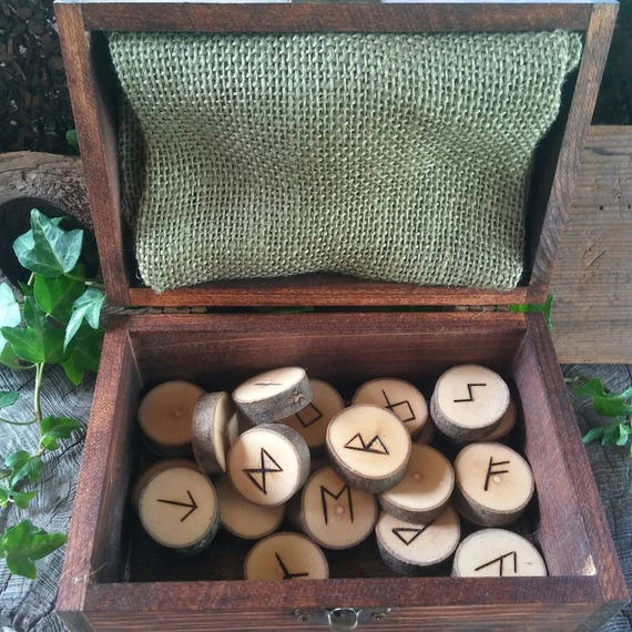 Viking Runes - Maple Runes - Wooden Runes - Elder Futhark Runes - Rune Set, Hessian Bag, Box