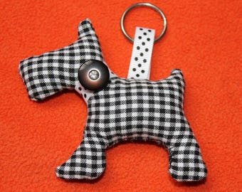Key small dog, black and white fabric