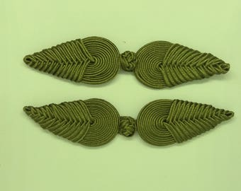 Extra large frog closure. Olive. One pair only