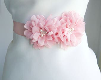 Blush Pink Flower Bridal Sash, Wedding Sash, Bridal Gown Sash, Pink Belt, Pale Pink Flower Belt, Wedding Dress Sash, Blush pink bridal belt