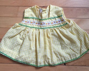 Vintage 1970s Baby Infant Girls Yellow Gingham Floral Sleeveless Dress Top Shirt! Size 6 months
