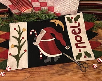 """Primitive Christmas Wool Applique  """"Father Christmas""""  Pattern"""