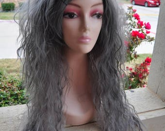Die Pretty Crimped Hime Gyaru Layered Wig in Gray Ombre