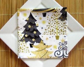 Dinner Napkins, Set of 4, Christmas Napkins, Table Linens, Black and Gold, Reusable