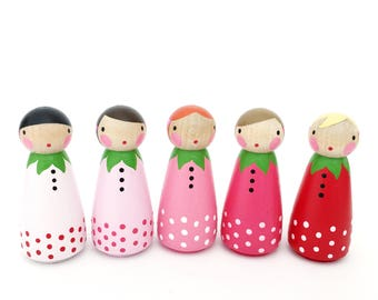 "2"" strawberry peg dolls // 5  (2"") sweet ombre strawberry peg dolls with felt sleeping bag // wooden peg dolls"