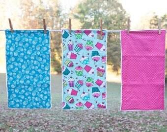 Cupcake Burp Cloth, Cupcake Baby Gift, Set of 3 Burp Cloths, Baby Shower Gift, Baby Burp Cloths, Modern Burp Cloth, Baby Girl Gift