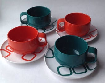 4 Melamine Style Teacups and Saucers from Italy. Set of four 1960s/70s Orange & Green Giostyle Camping Chic