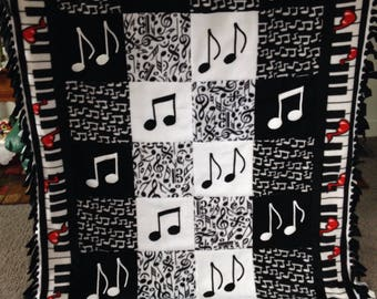 MUSIC NOTES and PIANO Fleece Blanket