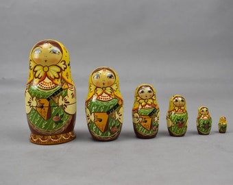 Russian Matryoshka Signed 1991 Vintage Wooden Nesting Dolls 6 Piece Maiden Guitar