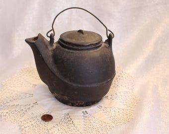 Vintage Cast Iron Tea Pot Farm Fireplace Hanging pot Ironwear Black Color