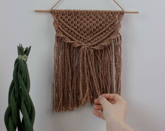"SAMPLE SALE | Macrame Wall Hanging ""Cinnamon"" - 100% coton rope - Wooden Dowel"