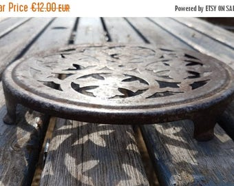 Large Antique metal Round Trivet, French Vintage, industrial silver rusty cooling rack home decor farmhouse ornate shabby chic cottage chic
