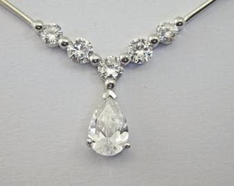 9ct white gold necklace with dazzling zircons 4.39g