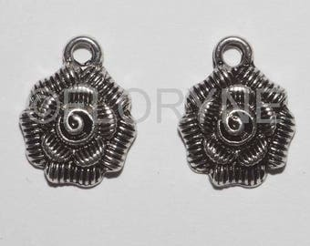 2 Charms Metal flower charms antique silver: Roses