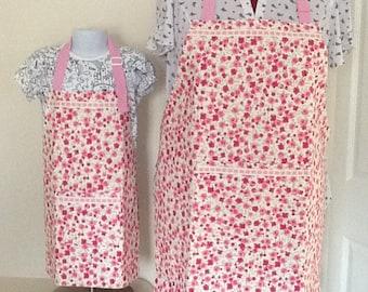 Matching mum and daughter aprons