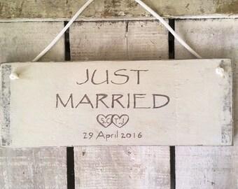Just Married signe. Signe de mariage rustique. Personnalisez votre propre signe de mariage. Signe de voiture de mariage.