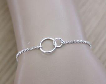 Minimalist Bracelet 2 interlaced rings in sterling silver - fine silver bracelet - circle bracelet - woman bracelet