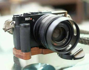 SonyRx1r,Round Handle Wood Grip 70 USD,light weight,Beautiful&Strong,Wood soft 23 USD ..Free shipping by DHL(Pls give me Tel No.)