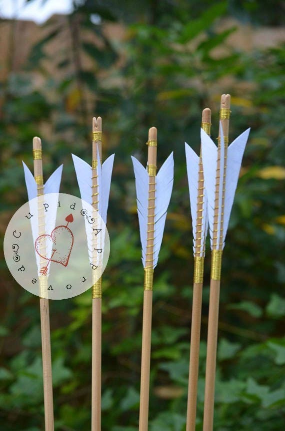Archery Arrows, Medieval style set of 6 arrows, white feathers and gold wrap
