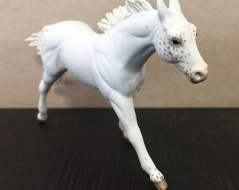 White Appaloosa - Breyer Stablemate