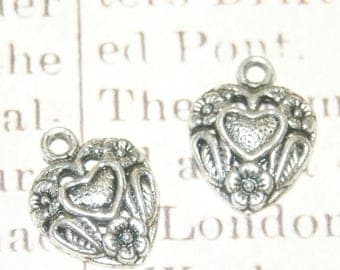 3 heart charms and metal flowers silver 19 x 14, 5mm