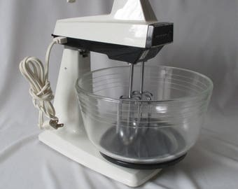 Vintage Hamilton Beach Scovill 5 Speed Convertible Stand & Hand Mixer ~Model 58