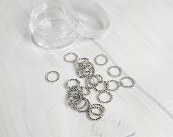 Closed Ring Stitch Markers fits up to US9 5.50mm knitting needles - Set of 24 ring markers in round clear screw top container SM0012