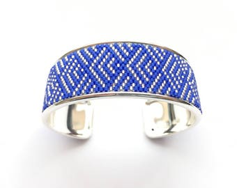 Very pretty bright blue and silver cuff beadwoven miyuki mounted on rigid support