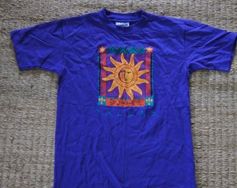 Vintage 1990's - Dallas Texas Tourist  T Shirt, Purple with Sun, Size Medium - eyecatcher sportswear 100% cotton