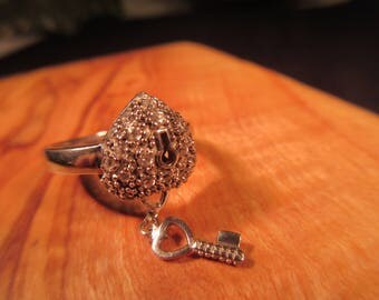 Romantic Sterling Silver Marcasite Heart Lock and Key Ring - 7.5
