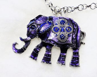 Necklace with an enameled elephant purple and silver