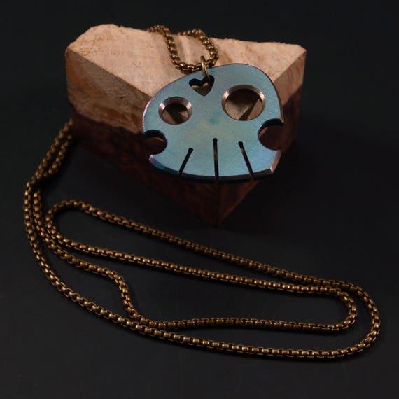 Carry the Skull Necklace // Titanium