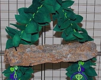 Bluebonnet Hanging Cork Bark Swing with Anti Pill Hand cut Leaves - Large