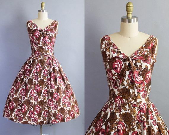 1950s Rose Print Floral Dress/ Medium (38b/28w)