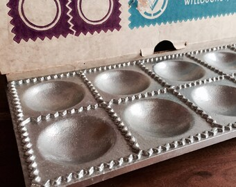 Ravioli Maker Mold Vitantonio Italian Large Ravioli or Pierogi Making Form in Heavy Cast Aluminum # 510 In Original Box