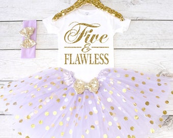 Five and Flawless. Girls Birthday Outfit. Tutu Set. Birthday Shirt. Birthday Tutu Outfit. Birthday Outfit Girl. 5th birthday. S5 5BD (LAV)