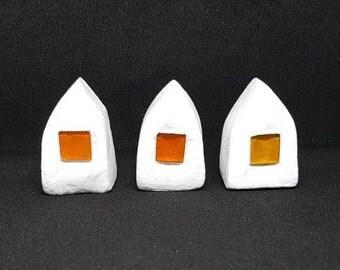Miniature houses, set of 3