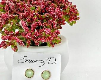 Soft green polyester stud